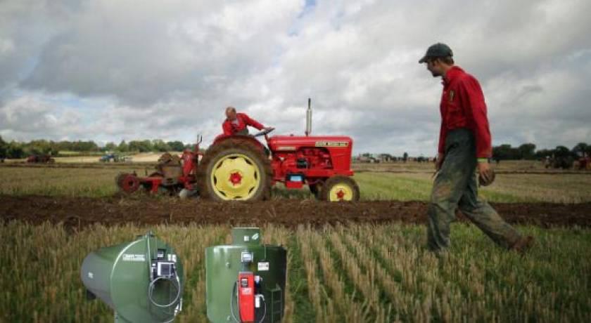 Подвижните цистерни на фермери без нивомери